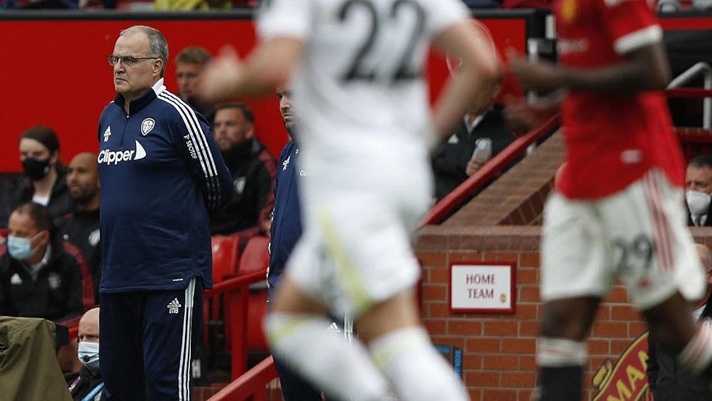 Derrota del Leeds de Bielsa y agónica caída de Aston Villa con «Dibu» Martínez en el arco